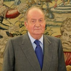 El Rey Emérito Don Juan Carlos anuncia su retirada total de la vida pública