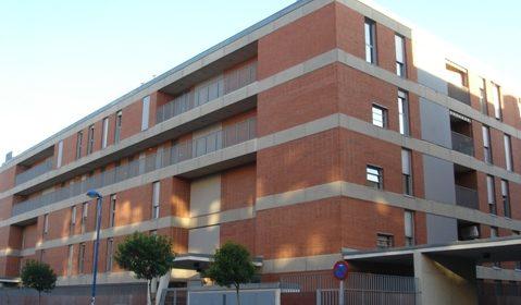 2.000 viviendas públicas y una Agencia Municipal para mediar en desahucios, el compromiso del Gobierno local