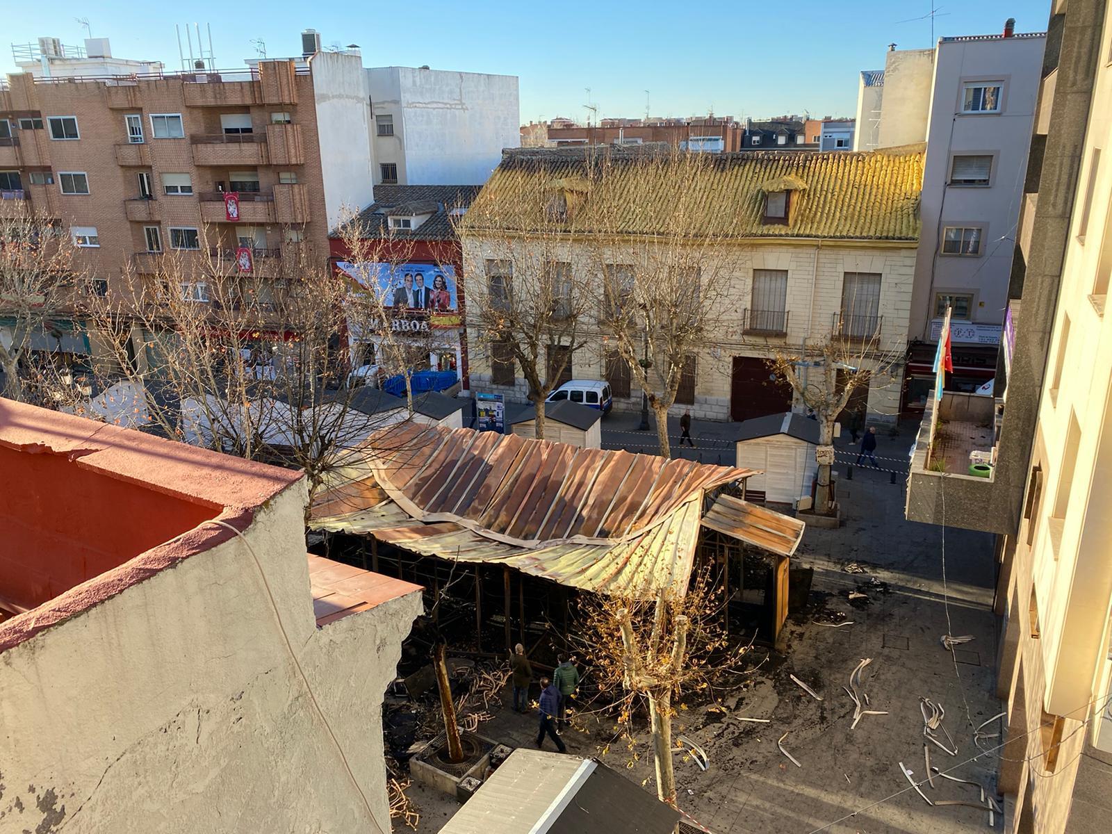 Gran Incendio En La Plaza De España Acaba Con El Belén Y
