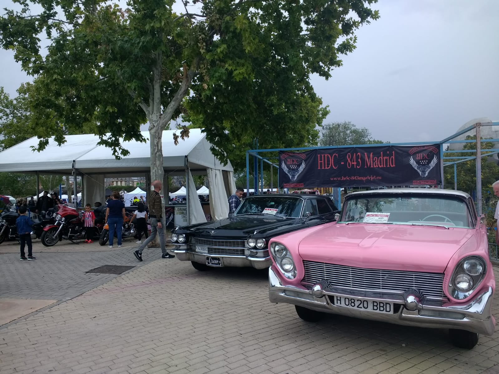 esposición de coches clásicos en el HDC Rockin Fest 2019