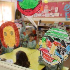 Las escuelas infantiles de Madrid reabren con prioridad a padres que no teletrabajan