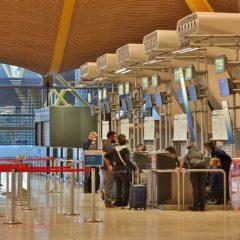 Exigen pruebas PCR para turistas en Madrid y Baleares