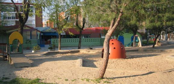 """Descontento con la escuela """"Jeromín"""" (Leganés) por la escolarización de sus hijos"""