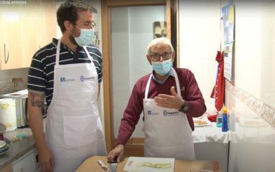 """El programa """"Academia Mayorchef"""" enseñará a los mayores a cocinar y realizar la compra"""