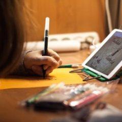 El Ayuntamiento de Parla ha puesto a disposición equipos informáticos a los estudiantes de familias vulnerables a través de los centros educativos