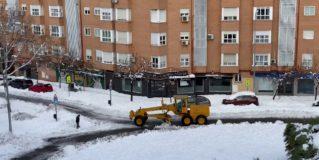 La Unidad Militar de Emergencia (UME) acudió a Alcorcón para ayudar en las labores de limpieza de nieve y hielo