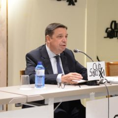 Las nuevas tendencias de consumo y la demografía marcarán los sistemas alimentarios del futuro ha si lo ha señalado el Ministro de Agricultura Luis Planas